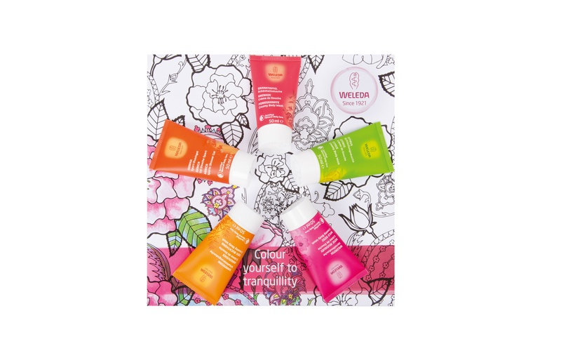 Colouring set with selection of shower gels