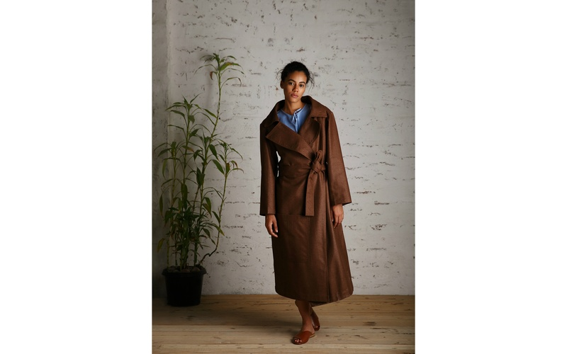 Woven Coat with Wide Collar
