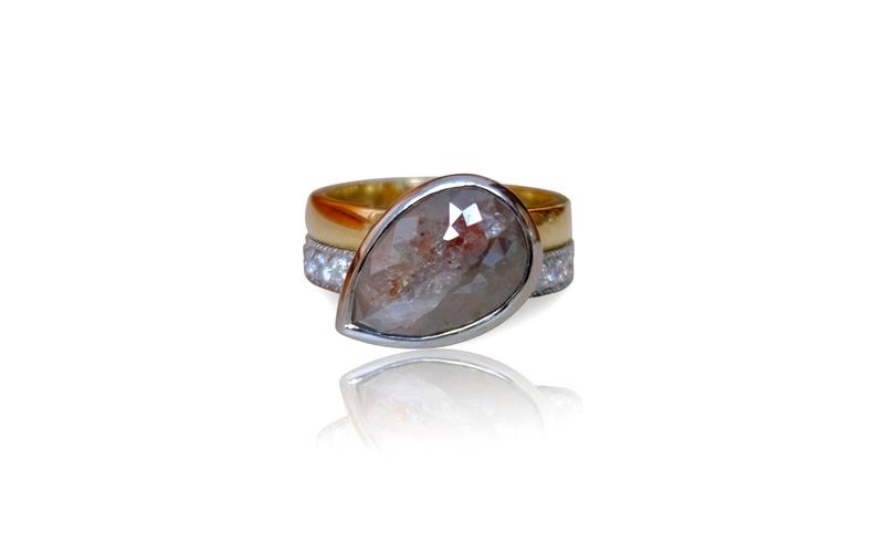 UNIQUE PARTI PEAR DIAMOND RING
