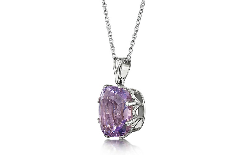 LAVENDER AMETHYST AND 18 CARAT WHITE GOLD PENDANT