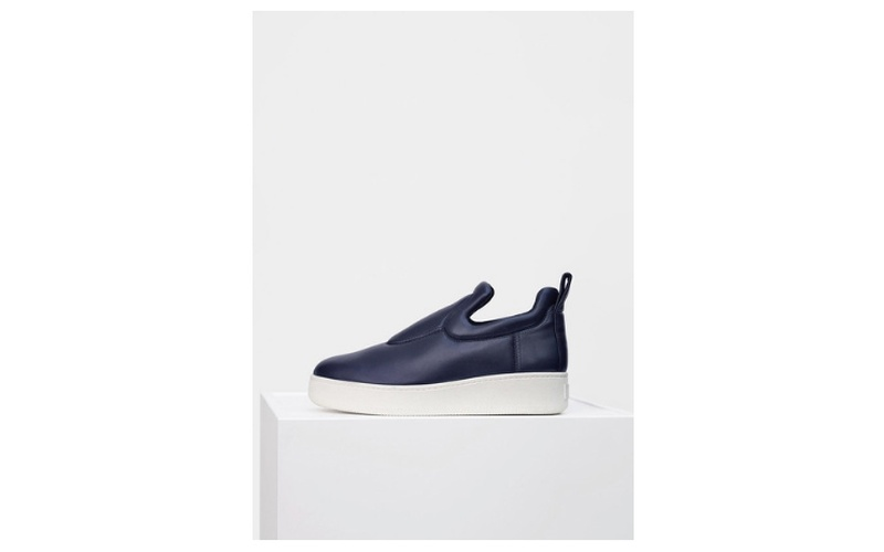 PULL ON SNEAKER IN NAVY NAPPA STRETCH